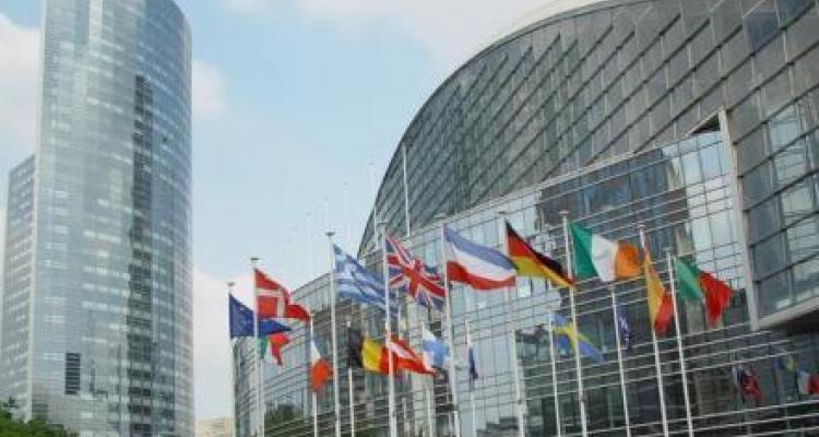 Accès transfrontière aux contenus en ligne : la production française salue une directive équilibrée et un nouveau cadre sécurisé.